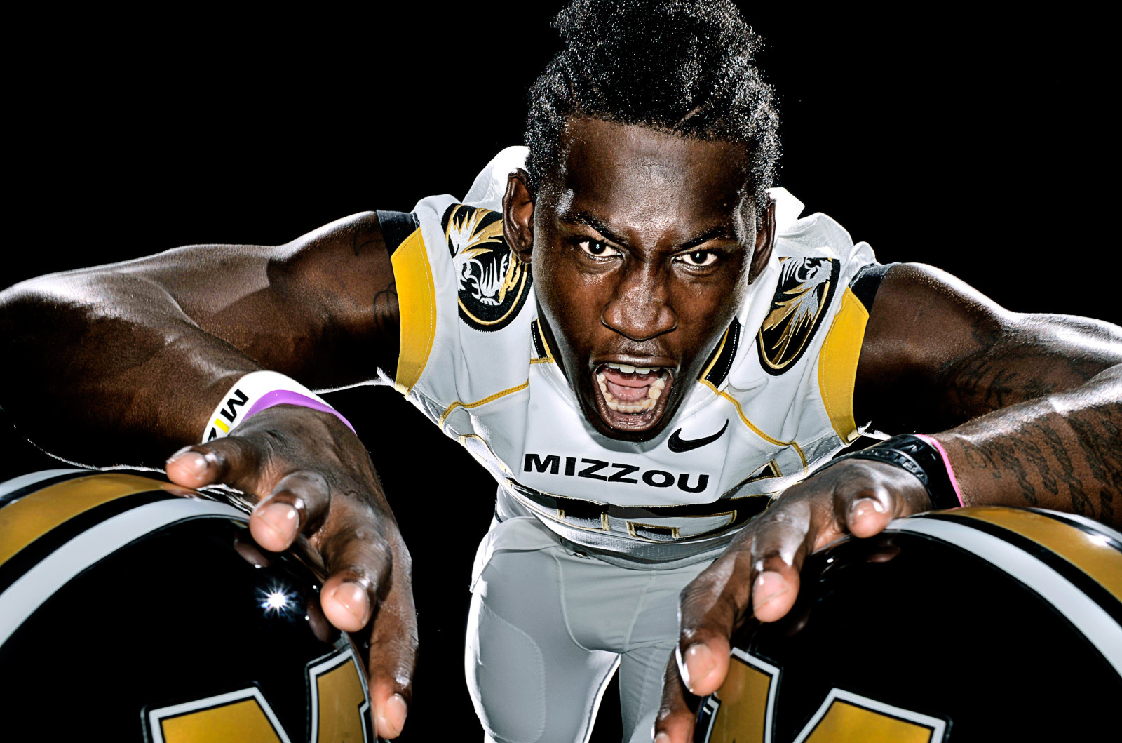"Missouri defensive end Aldon Smith didn't begin playing organized football until he was a junior in high school. As a redshirt freshman at Missouri, Smith was tabbed Big 12 defensive newcomer of year. He finished with 11.5 sacks -- an MU single-season record -- and 19 tackles for loss. Missouri's modern-day Deacon Jones, Smith prefers a subtler way to describe the feeling he gets when smashing into a quarterback. ""A sack feels like a kiss from a girl you like a lot,"" Smith said."